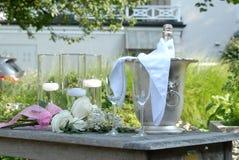 香槟静物画婚姻的提案的 免版税库存照片