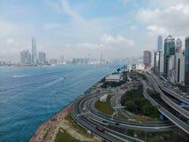 香港中央ICC天晴朗的Mavic空气 免版税图库摄影