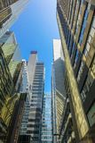 香港商业中心和现代大厦在天时间 免版税库存照片