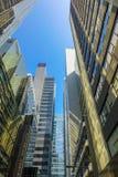 香港商业中心和现代大厦在天时间 库存照片
