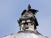 香港大会堂和龙,加的夫,威尔士,英国 免版税库存照片