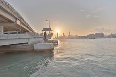 香港日落视图北部pont码头的 免版税库存图片