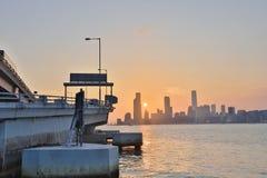 香港日落视图北部pont码头的 库存图片