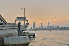 香港日落视图北部pont码头的 免版税库存照片