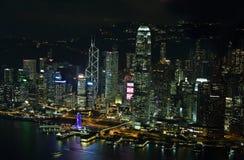 香港海岛地平线在晚上 免版税库存图片