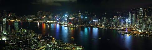 香港海岛地平线在晚上 库存照片
