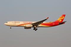 香港航空公司空中客车A330-300飞机上海虹桥空气 免版税库存图片