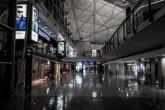 香港,中国- 1月, 11 :里面香港国际机场 宣扬门户到中国大陆,东部和东南亚  图库摄影