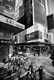 香港,中国- 2011年11月20日:在香港街道上的人们2011年11月20日的 库存图片