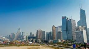 香港,中国- 2017年1月26日:市的美丽的景色香港,一个商业中心和现代大厦的在天时间 图库摄影