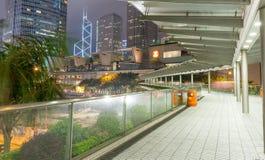 香港- 2014年5月12日:现代城市地平线在晚上 洪Kon 免版税库存图片