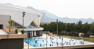 公开游泳池在香港 免版税库存照片