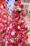 香港APM圣诞节爱窥探者装饰 免版税库存图片