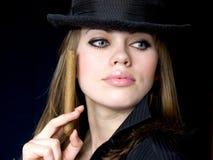 香烟优美的夫人 免版税库存照片