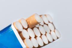 香烟开张装箱 图库摄影