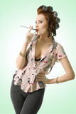 香烟疯狂的女孩pinup 免版税库存照片