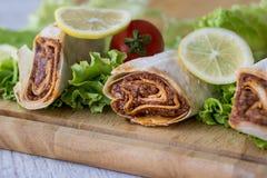 香烟kofte硬粒小麦/Shawarma/土耳其食物 图库摄影