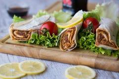 香烟kofte硬粒小麦/Shawarma/土耳其食物 免版税库存图片