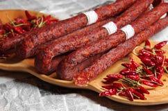 香肠和匈牙利红色辣椒粉 免版税图库摄影