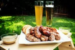 香肠和啤酒 图库摄影