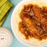 香肠和土豆泥用葱小汤 免版税库存图片