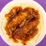 香肠和土豆泥用葱小汤 库存照片