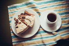 香草蛋糕和咖啡 免版税图库摄影