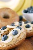 香蕉和蓝莓 免版税图库摄影