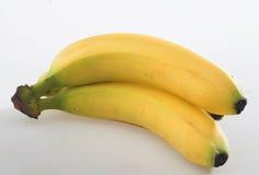 香蕉接近的白色背景 库存照片