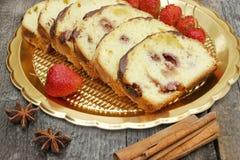 香蕉面包用草莓 库存照片