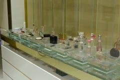 香水和化妆用品在商店 库存照片