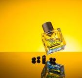 香水,火花,化妆用品,芳香,时尚,新鲜,下落 免版税图库摄影