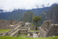 马丘比丘和安第斯山脉 免版税图库摄影