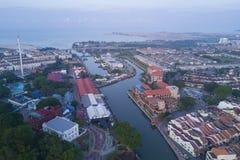 马六甲市Arial视图在日出期间的 免版税图库摄影