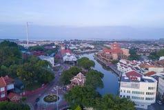 马六甲市Arial视图在日出期间的 图库摄影