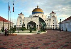马六甲马来西亚masjid清真寺selat 免版税库存图片