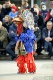 马其顿prilep 2018年2月18日-从Golemo Buchino villale的执行者从保加利亚的参加狂欢节Prochk 免版税库存图片