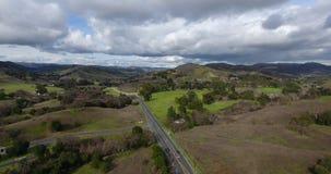 马利布小河4k 24 fps的国家公园空中寄生虫跨线桥  影视素材