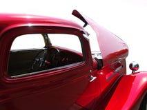 马力强大的红色汽车 免版税库存照片