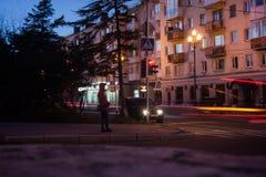 马加丹夜街道  库存图片