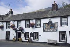 马和钉马掌铁匠旅馆, Threlkeld, Cumbria 免版税库存图片