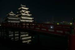 马塔莫罗斯城堡在晚上在冬天 日本 图库摄影
