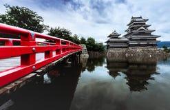 马塔莫罗斯城堡美丽中世纪武士年龄在东本州,长野,日本 免版税库存照片