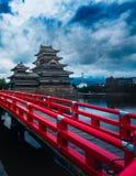 马塔莫罗斯城堡美丽中世纪武士年龄在东本州,长野,日本 库存图片