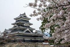 马塔莫罗斯城堡马塔莫罗斯jo,日本首要的历史的城堡在easthern本州,马塔莫罗斯石牌, Chubu地区,长野 库存图片