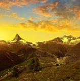 马塔角和Gabelhorn在叶绿泥石阿尔卑斯,瑞士 图库摄影