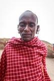 年轻马塞人让我拍他的照片,无需其中任一行动 免版税库存照片