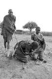从马塞人部落的非洲人民 免版税库存图片