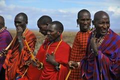 从马塞人部落的非洲人民 库存图片