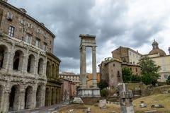 马塞勒斯废墟Teatro马尔塞洛剧院-罗马,意大利 免版税库存图片